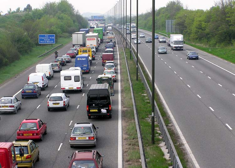 Image of traffic on motorway